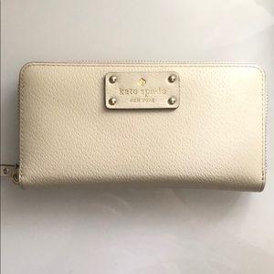 White/beige Kate Spade wallet